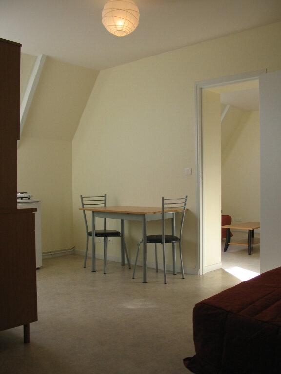 Appartement à louer 2 33m2 à Tours vignette-1