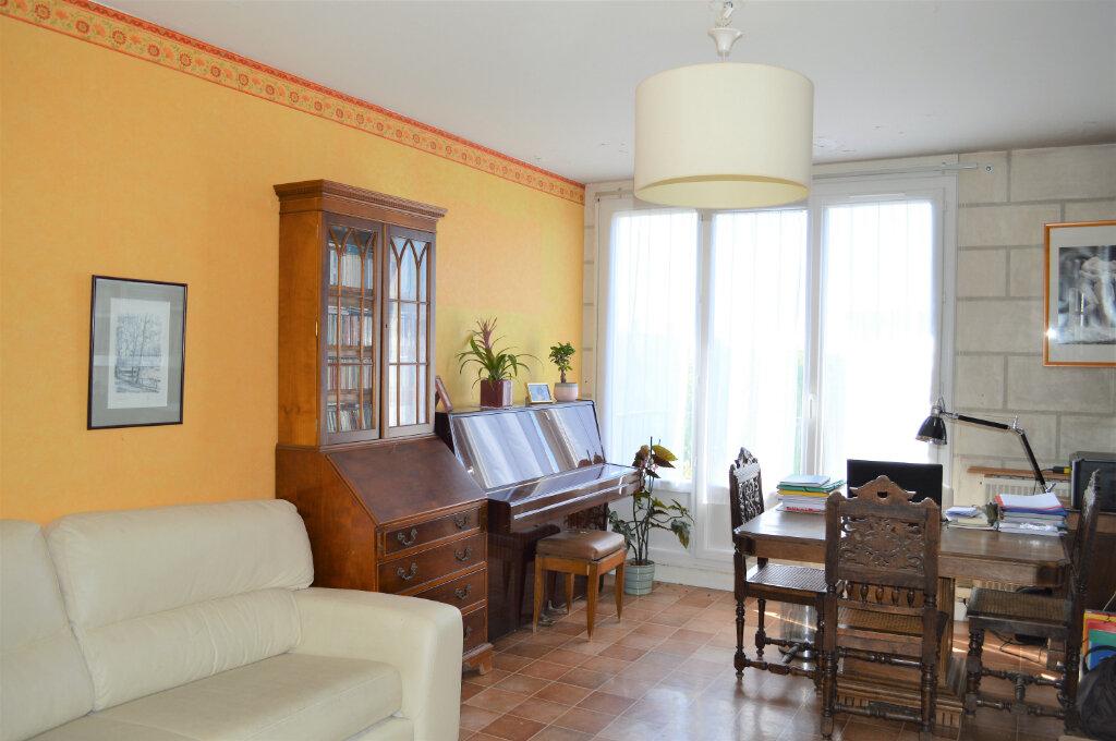 Appartement à vendre 3 67.55m2 à Saint-Pierre-des-Corps vignette-3