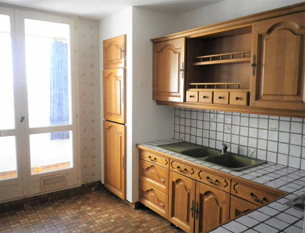 Appartement à louer 4 72m2 à Saint-Pierre-des-Corps vignette-1