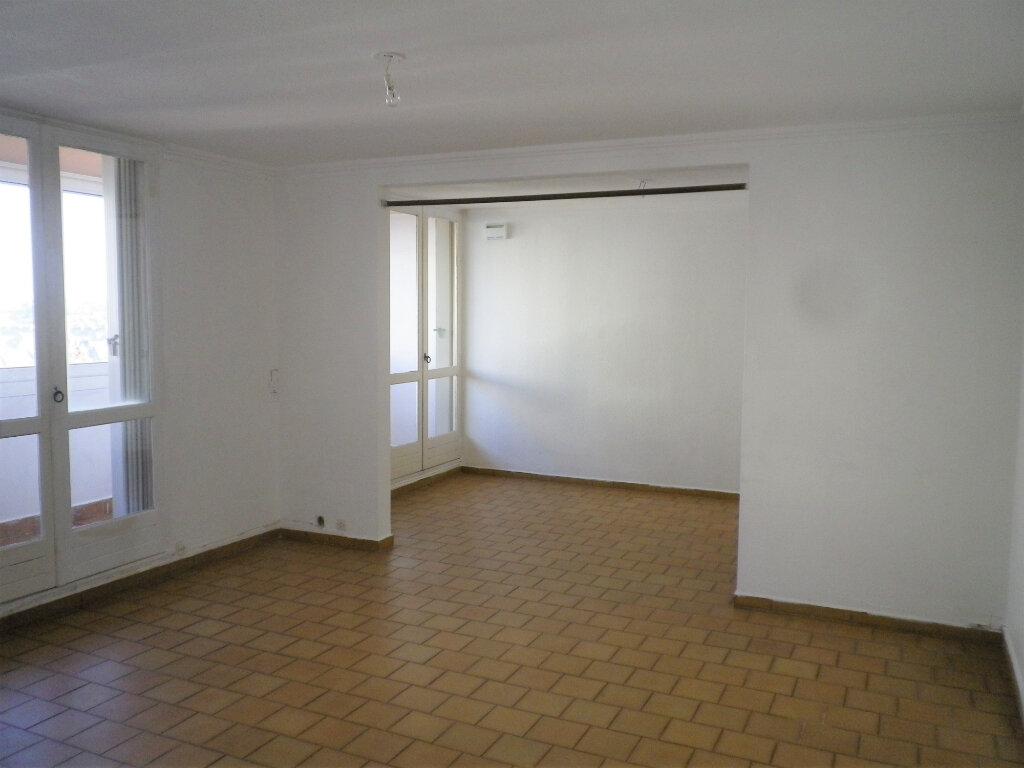 Appartement à louer 4 72m2 à Saint-Pierre-des-Corps vignette-2