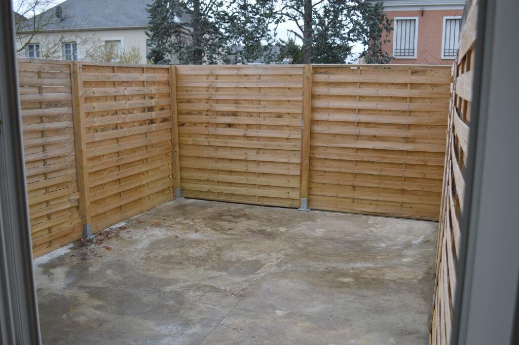 Appartement à louer 3 59.7m2 à Saint-Pierre-des-Corps vignette-3