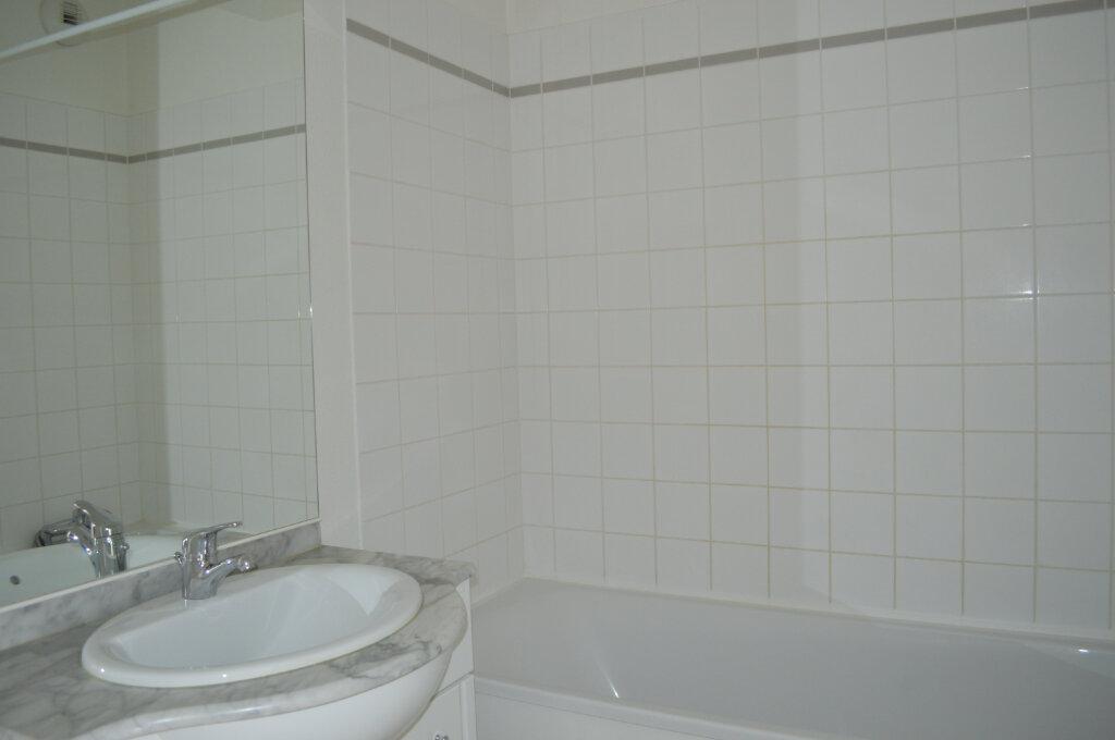 Appartement à louer 2 41.76m2 à Saint-Pierre-des-Corps vignette-3