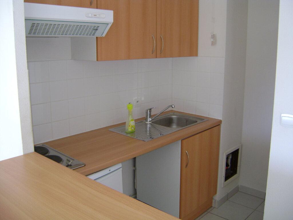 Appartement à louer 2 41.76m2 à Saint-Pierre-des-Corps vignette-5