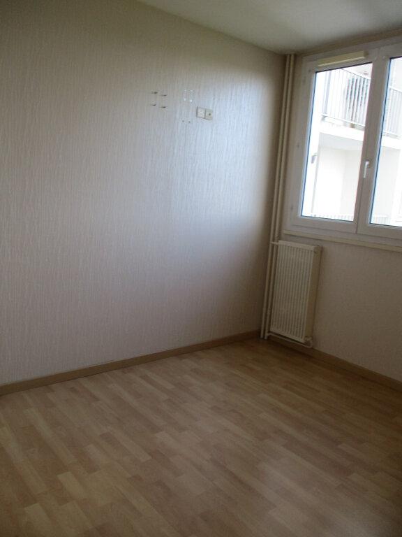 Appartement à louer 4 74m2 à Saint-Pierre-des-Corps vignette-7