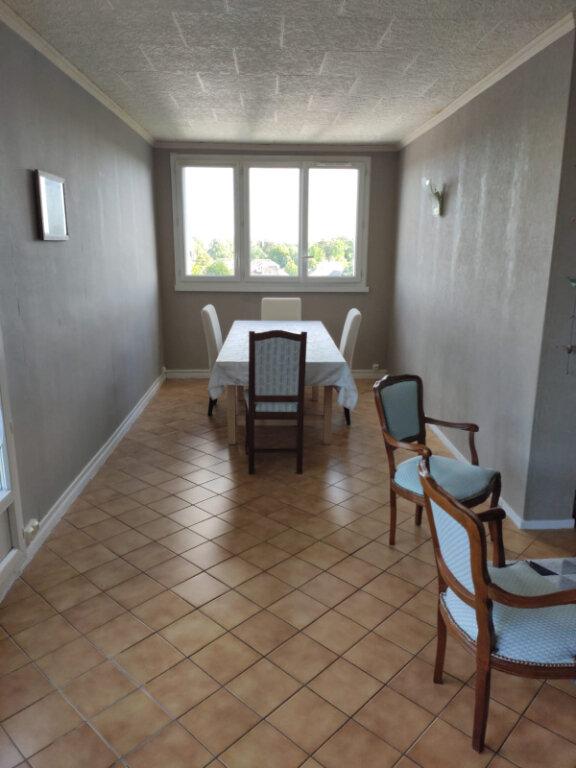Appartement à louer 3 70m2 à Saint-Cyr-sur-Loire vignette-2
