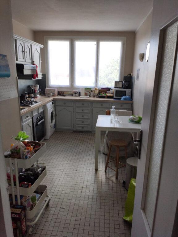 Appartement à louer 3 70m2 à Saint-Cyr-sur-Loire vignette-3