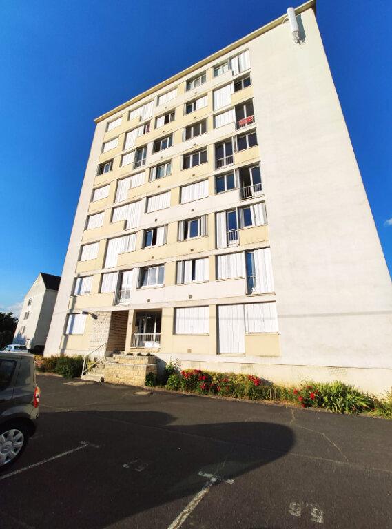 Appartement à louer 3 70m2 à Saint-Cyr-sur-Loire vignette-5