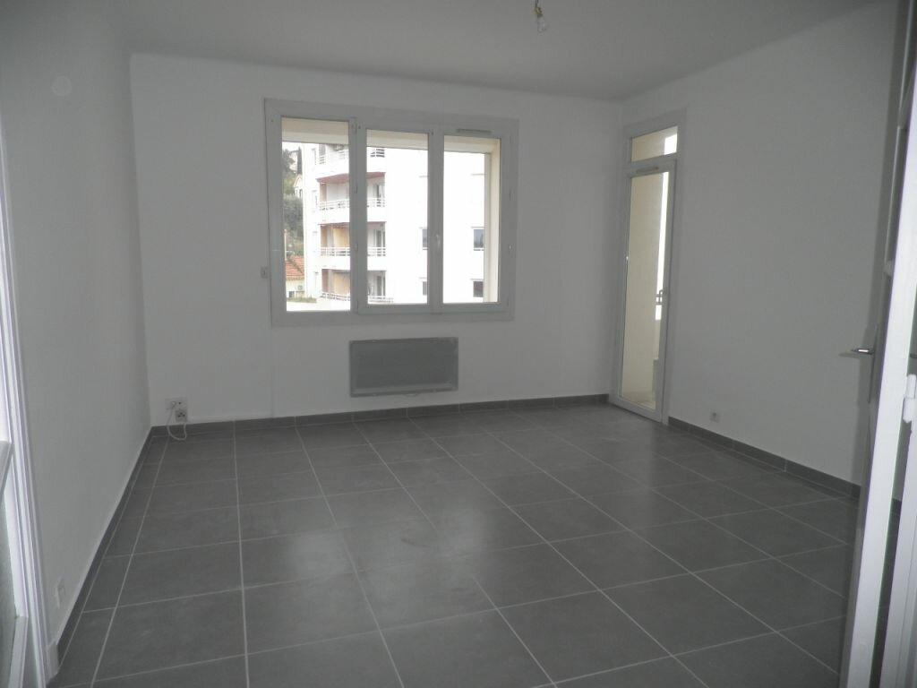 Appartement à louer 4 66.92m2 à La Seyne-sur-Mer vignette-1