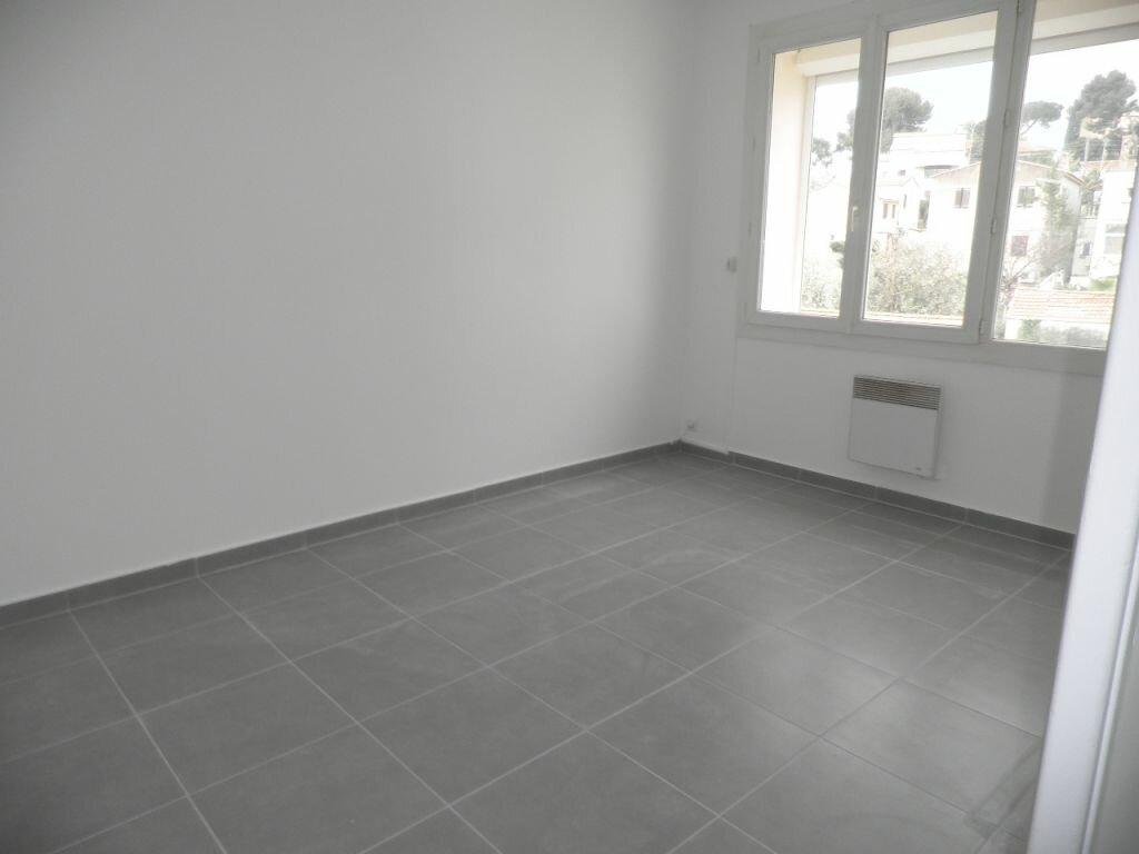 Appartement à louer 4 66.92m2 à La Seyne-sur-Mer vignette-4