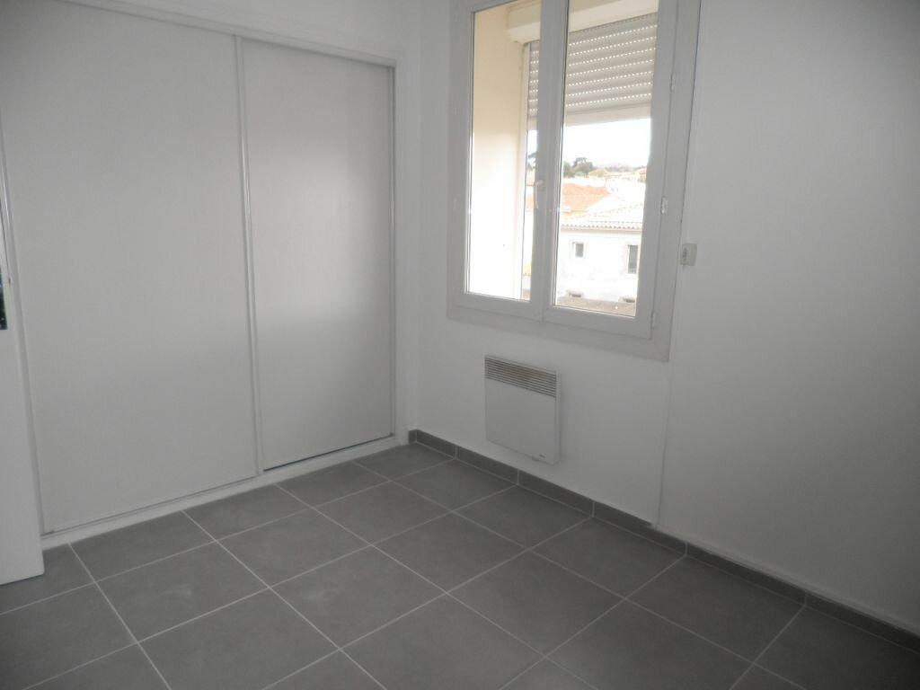 Appartement à louer 4 66.92m2 à La Seyne-sur-Mer vignette-8