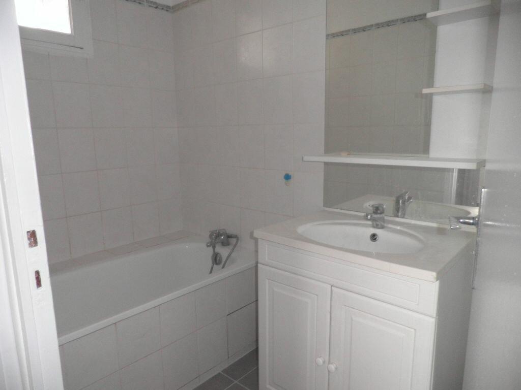Appartement à louer 4 66.92m2 à La Seyne-sur-Mer vignette-9