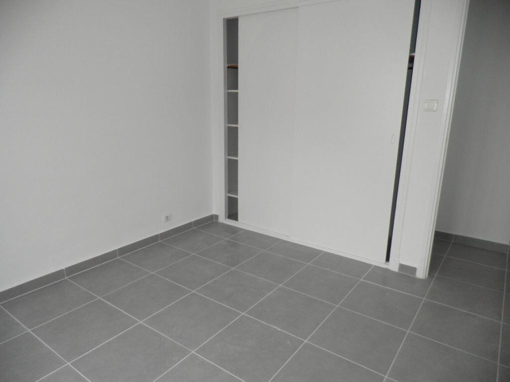 Appartement à louer 4 66.92m2 à La Seyne-sur-Mer vignette-10