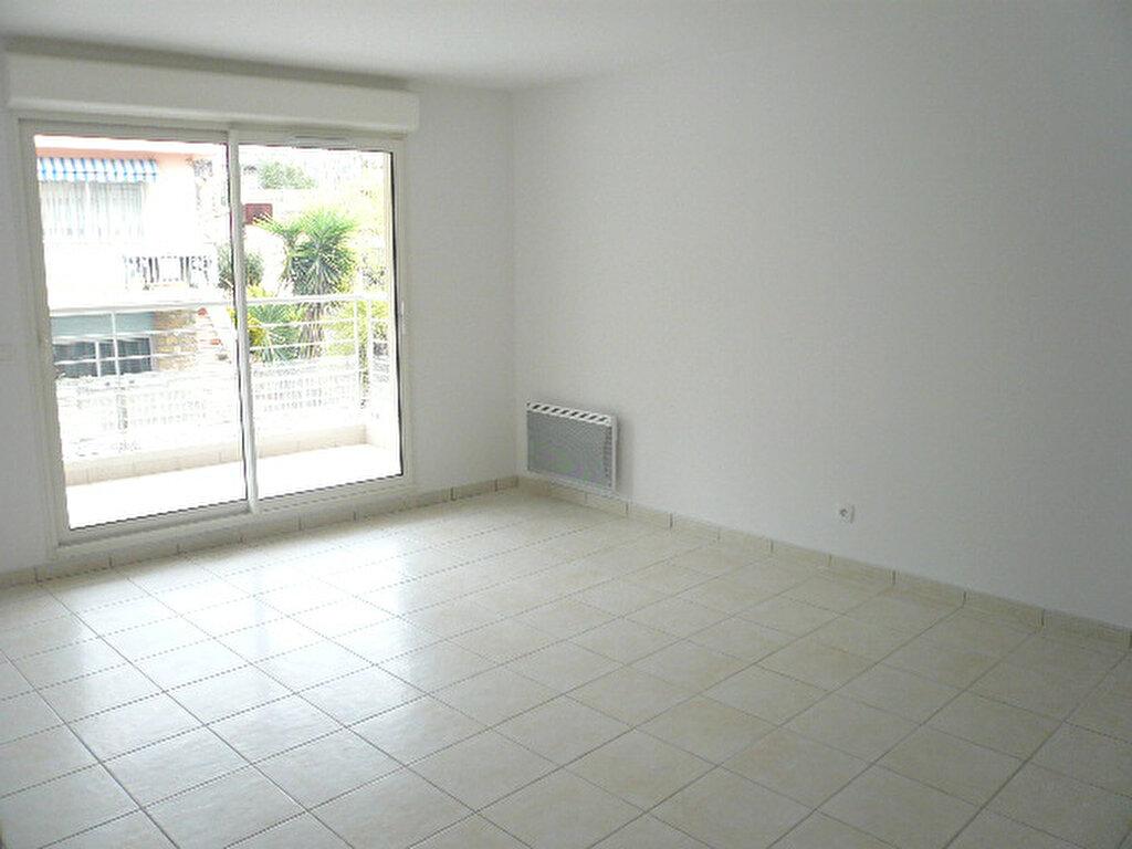 Appartement à louer 2 47.7m2 à La Seyne-sur-Mer vignette-1