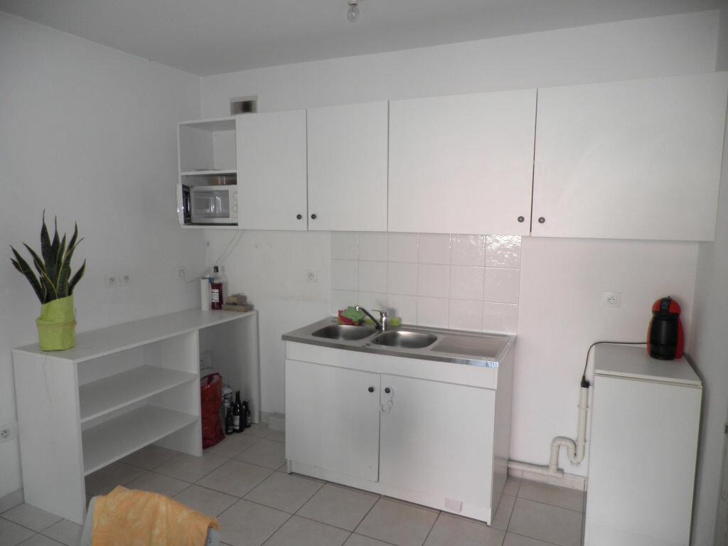 Appartement à louer 2 47.7m2 à La Seyne-sur-Mer vignette-2