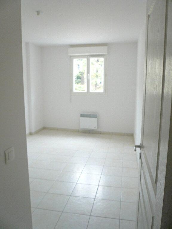 Appartement à louer 2 47.7m2 à La Seyne-sur-Mer vignette-3