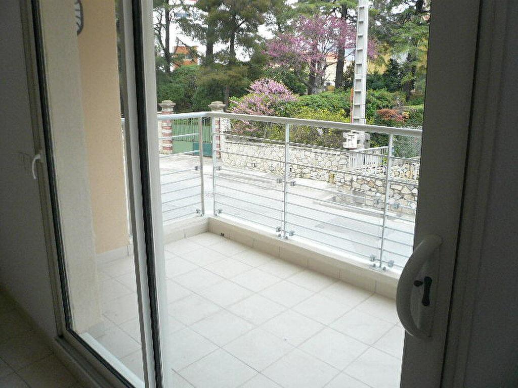Appartement à louer 2 47.7m2 à La Seyne-sur-Mer vignette-6