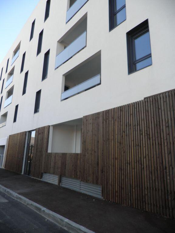 Appartement à louer 1 27.53m2 à La Seyne-sur-Mer vignette-5