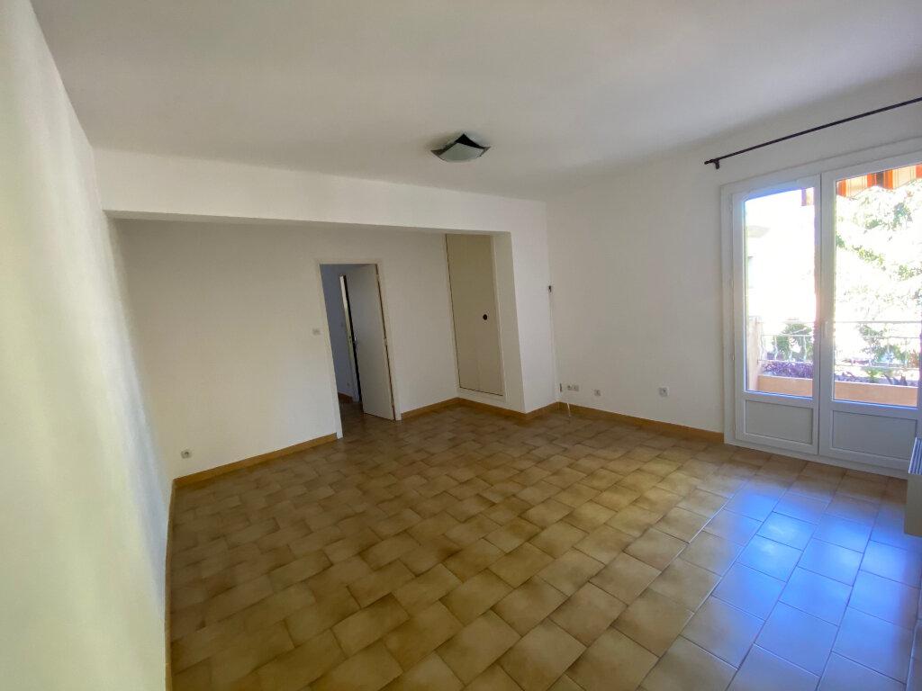 Appartement à louer 2 39.54m2 à Six-Fours-les-Plages vignette-3