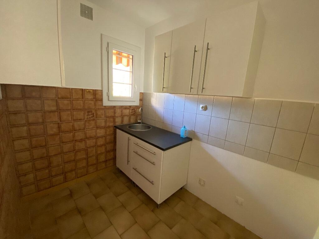 Appartement à louer 2 39.54m2 à Six-Fours-les-Plages vignette-6