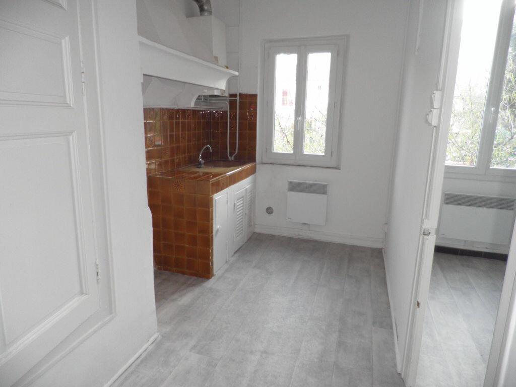 Appartement à louer 2 41.11m2 à La Seyne-sur-Mer vignette-2