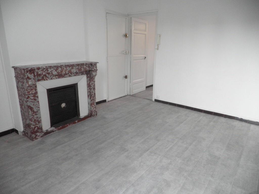 Appartement à louer 2 41.11m2 à La Seyne-sur-Mer vignette-4