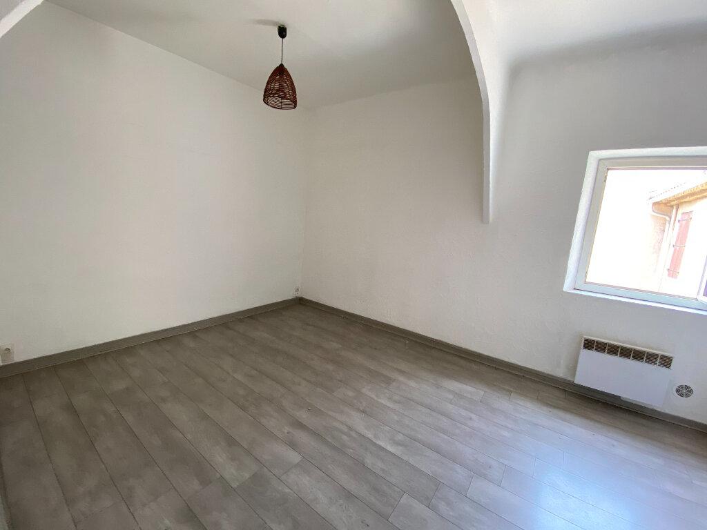 Appartement à louer 3 44.95m2 à La Seyne-sur-Mer vignette-3