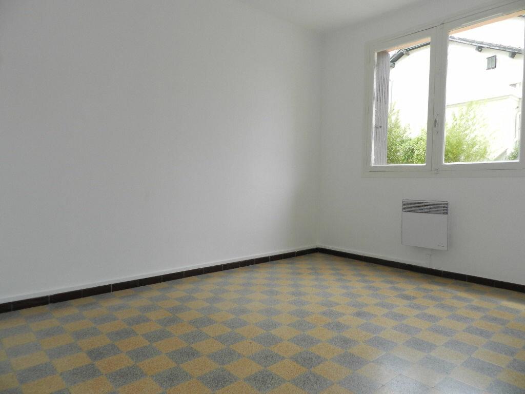 Appartement à louer 3 61.67m2 à La Seyne-sur-Mer vignette-4