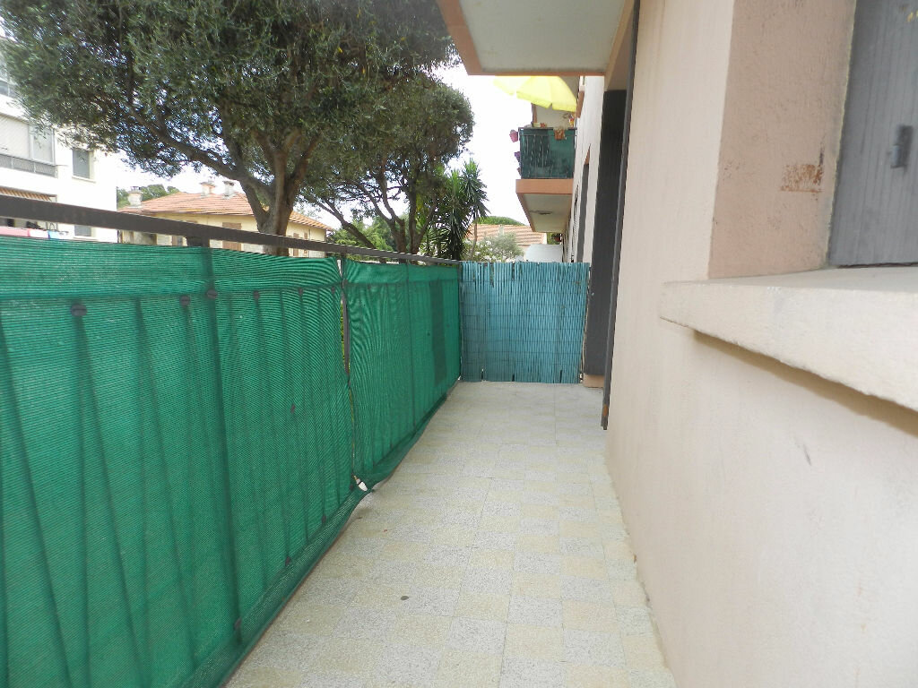 Appartement à louer 3 61.67m2 à La Seyne-sur-Mer vignette-9