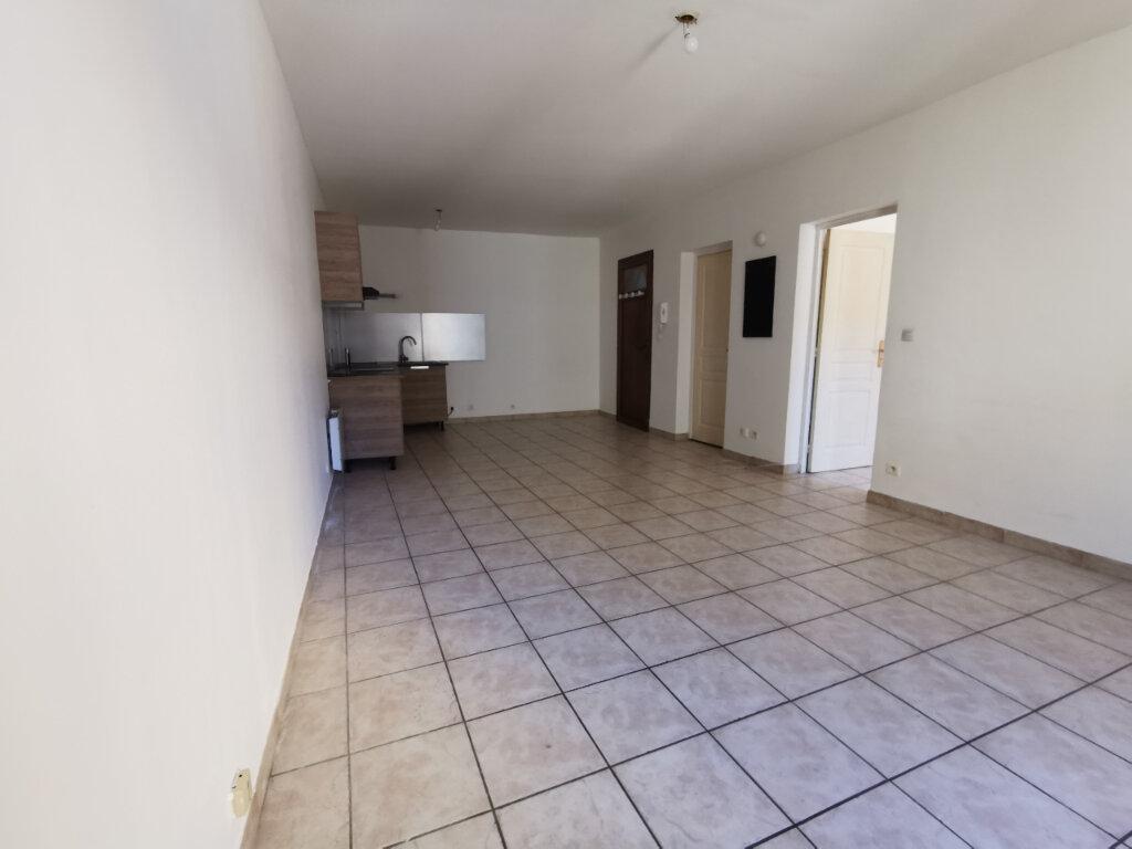 Appartement à louer 2 40.1m2 à La Seyne-sur-Mer vignette-2