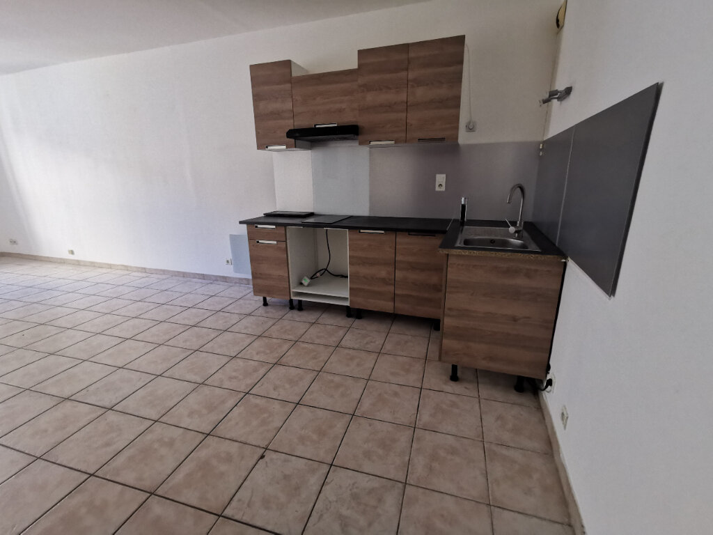 Appartement à louer 2 40.1m2 à La Seyne-sur-Mer vignette-3