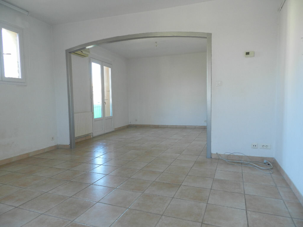 Appartement à louer 3 76m2 à La Seyne-sur-Mer vignette-1