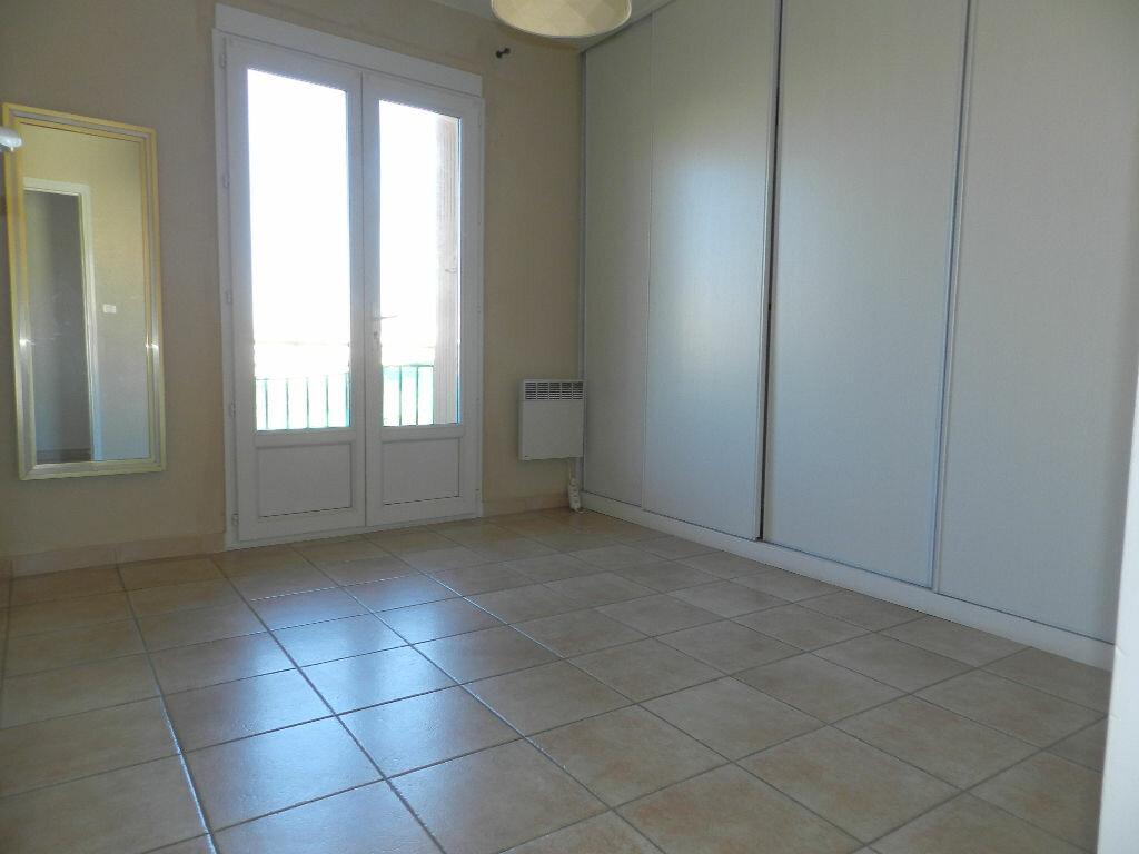 Appartement à louer 3 76m2 à La Seyne-sur-Mer vignette-4