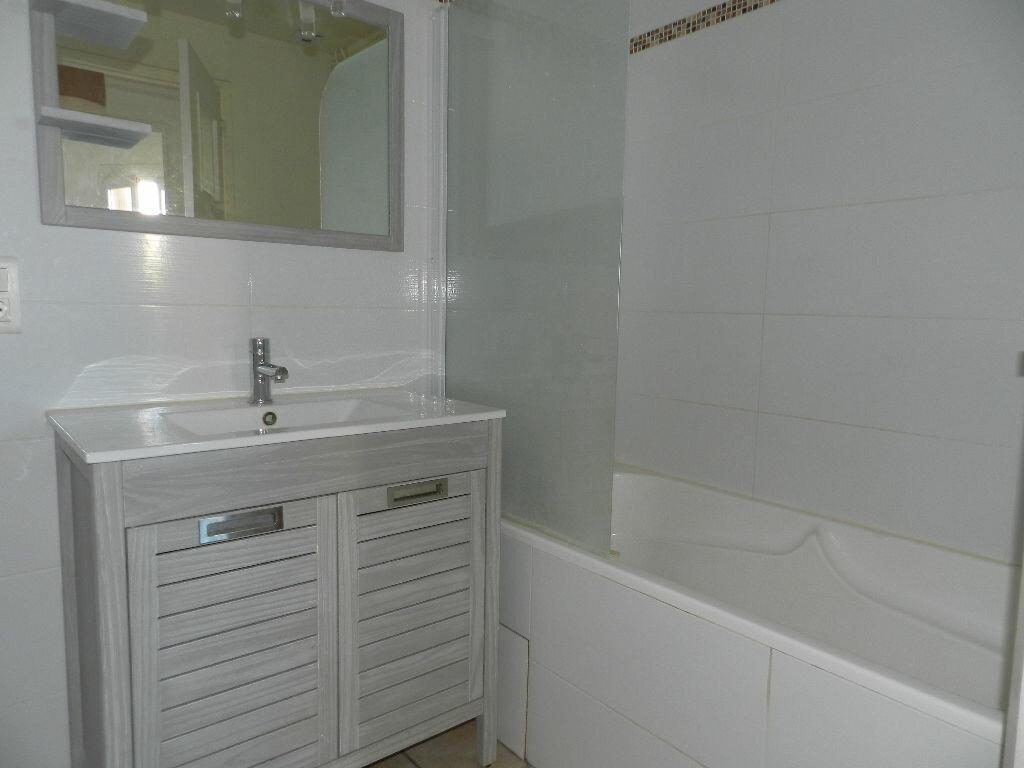 Appartement à louer 3 76m2 à La Seyne-sur-Mer vignette-5