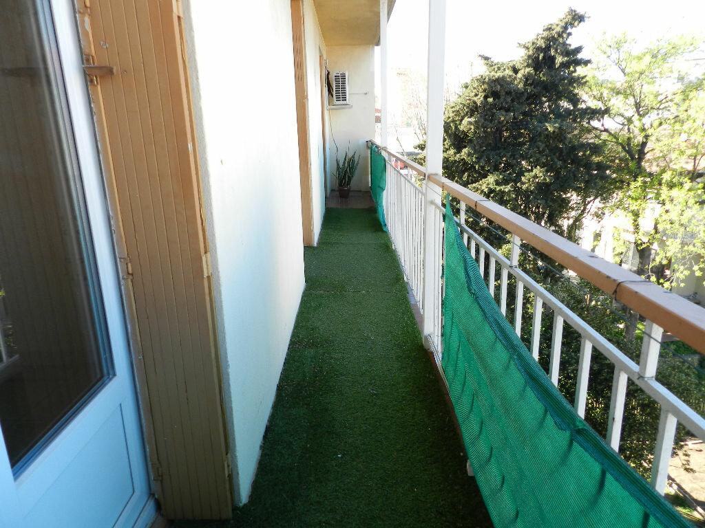 Appartement à louer 3 76m2 à La Seyne-sur-Mer vignette-6