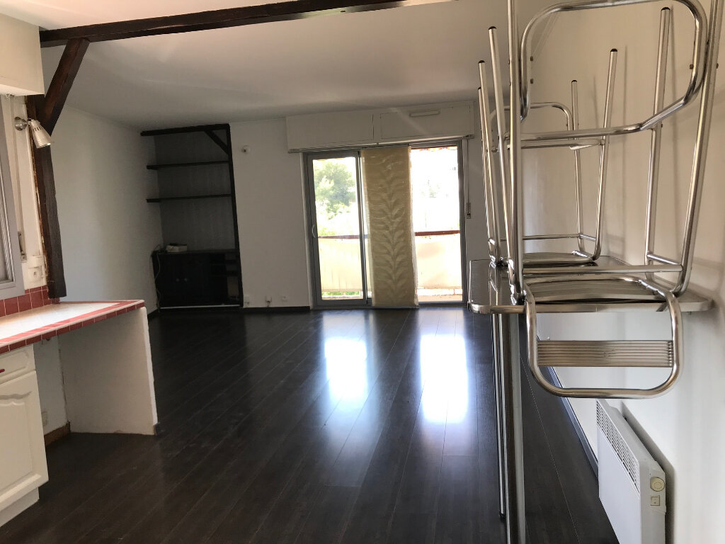 Appartement à louer 4 75.52m2 à Six-Fours-les-Plages vignette-1