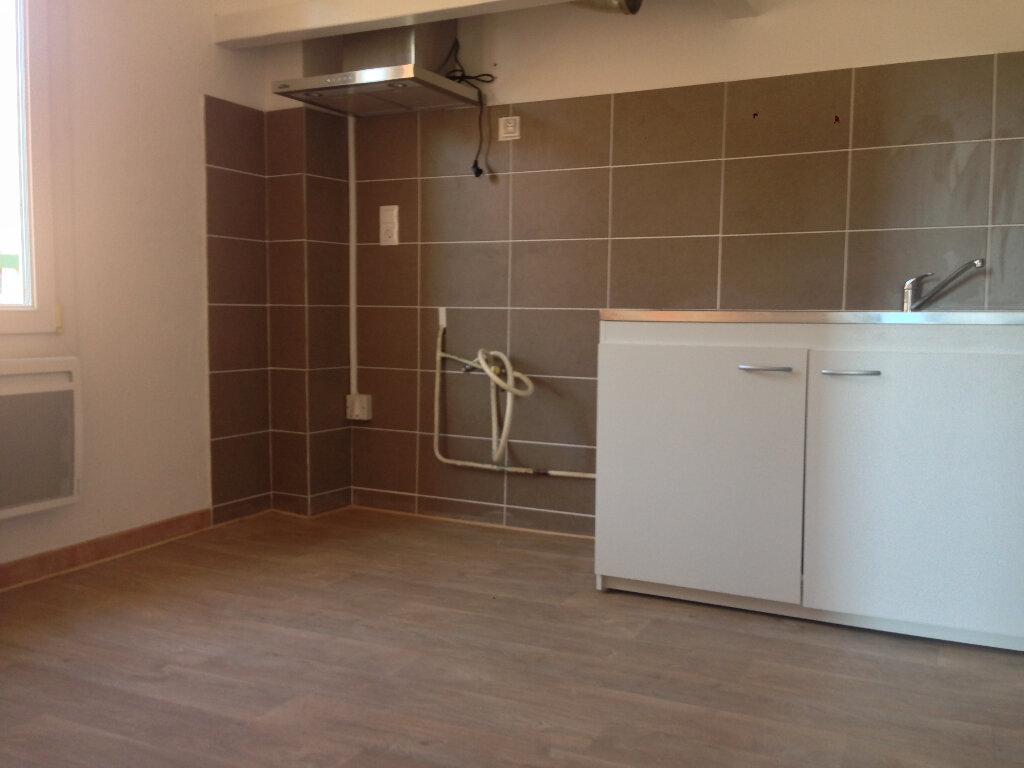 Appartement à louer 2 43.92m2 à La Seyne-sur-Mer vignette-2
