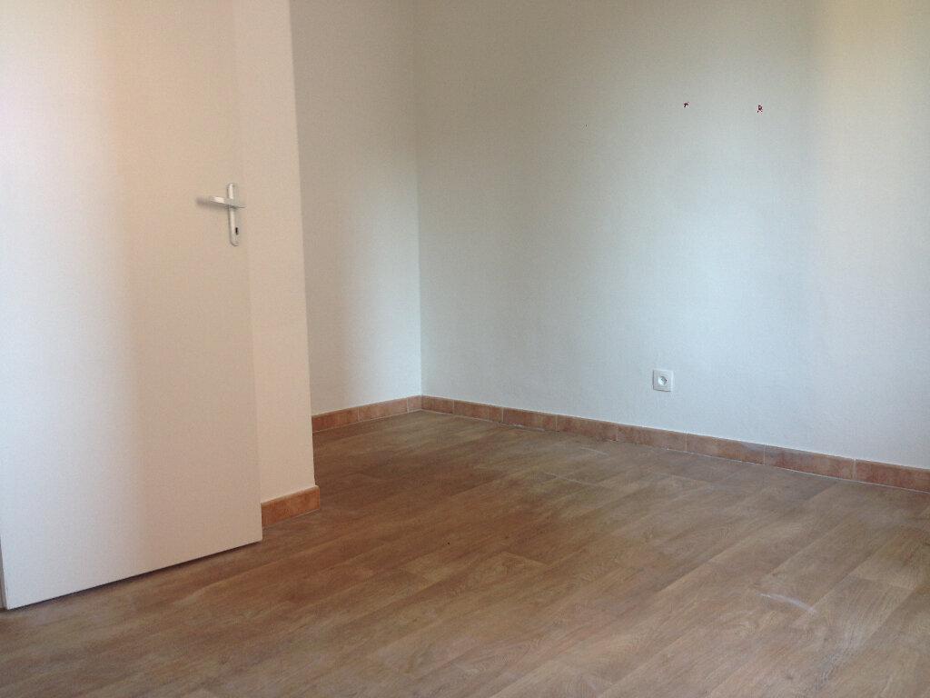Appartement à louer 2 43.92m2 à La Seyne-sur-Mer vignette-3