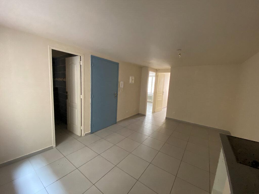 Appartement à louer 3 36.93m2 à La Seyne-sur-Mer vignette-3