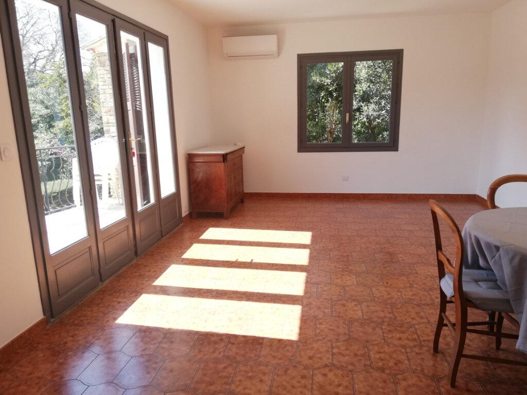 Appartement à louer 3 82m2 à La Seyne-sur-Mer vignette-1