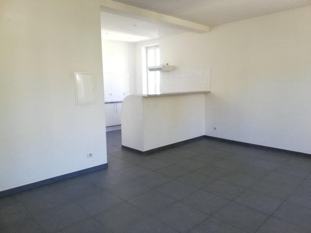 Appartement à louer 2 46m2 à Toulon vignette-3