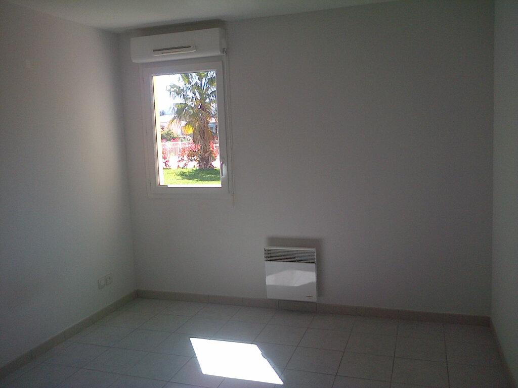 Appartement à louer 2 37.4m2 à La Seyne-sur-Mer vignette-5