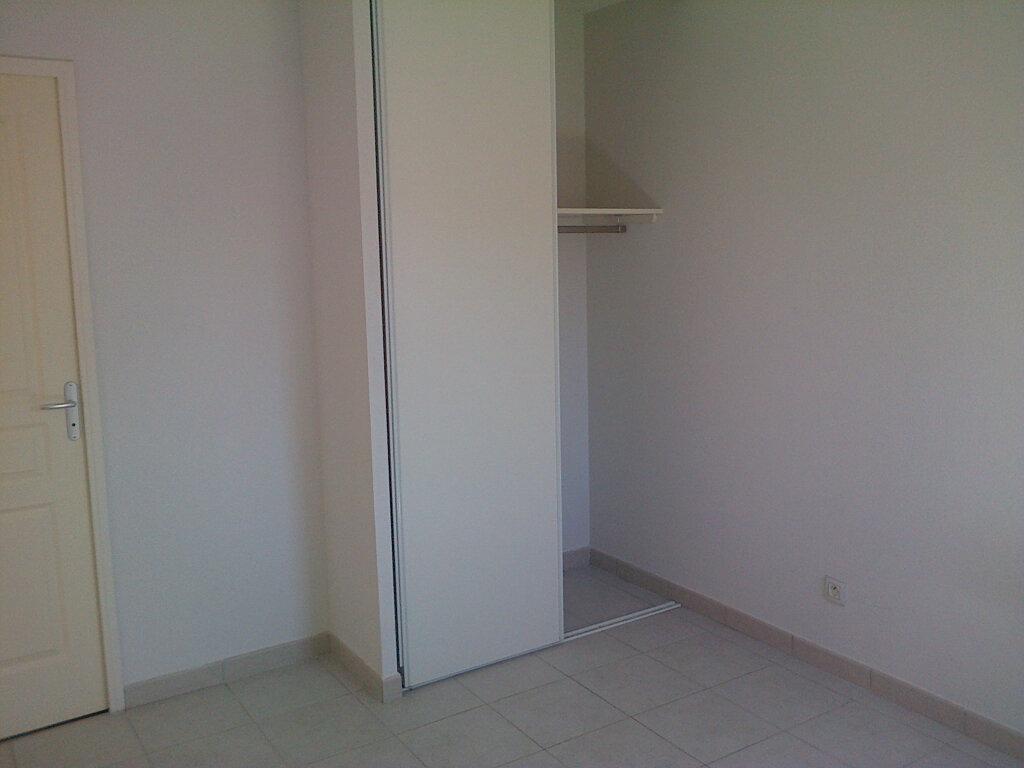 Appartement à louer 2 37.4m2 à La Seyne-sur-Mer vignette-6