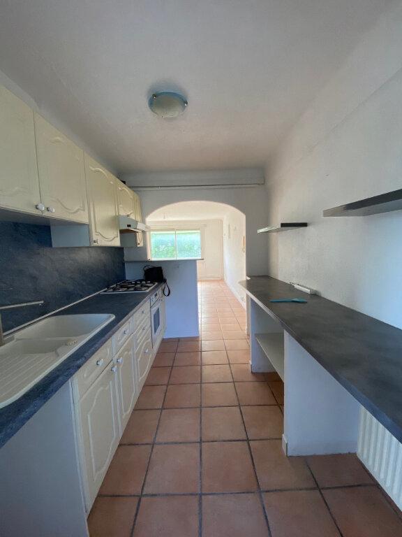 Appartement à louer 3 56m2 à La Seyne-sur-Mer vignette-1