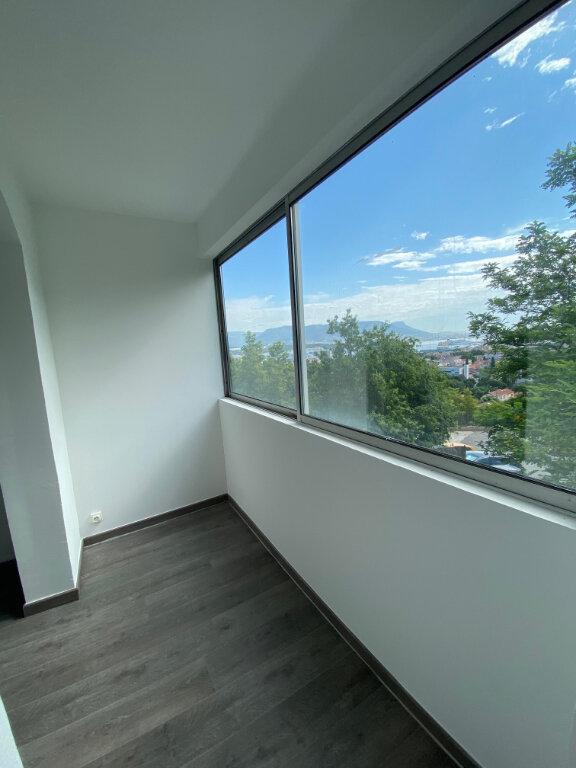 Appartement à louer 3 56m2 à La Seyne-sur-Mer vignette-2