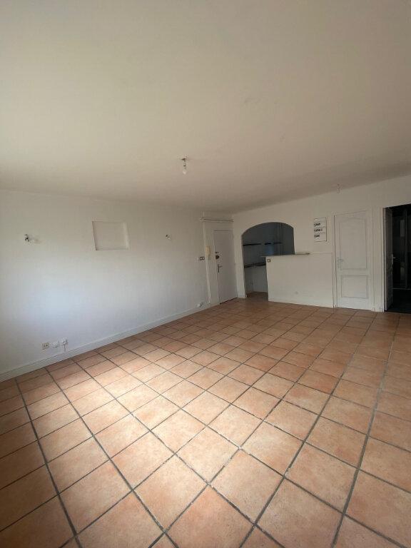 Appartement à louer 3 56m2 à La Seyne-sur-Mer vignette-5