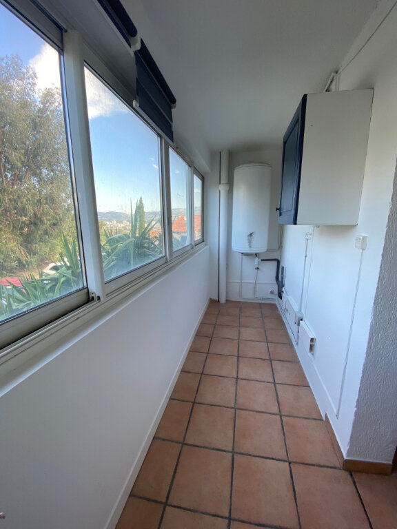 Appartement à louer 3 56m2 à La Seyne-sur-Mer vignette-7