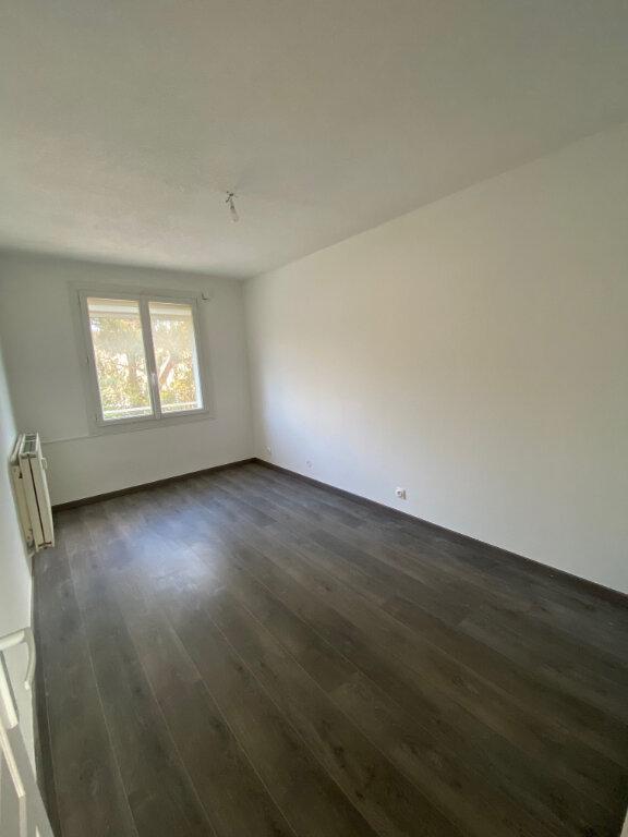 Appartement à louer 3 56m2 à La Seyne-sur-Mer vignette-9