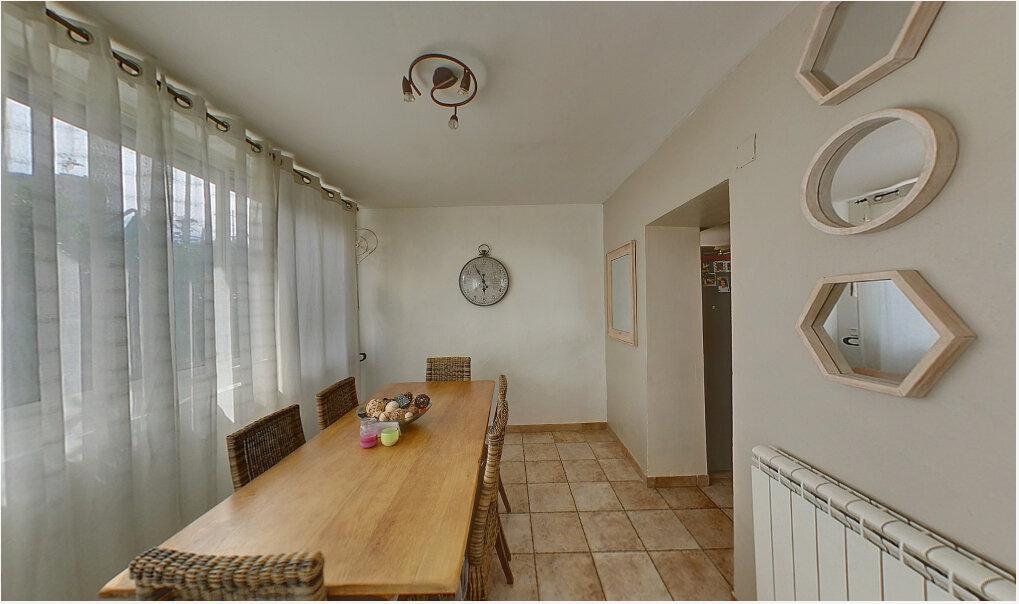 Appartement à vendre 5 88m2 à La Seyne-sur-Mer vignette-3
