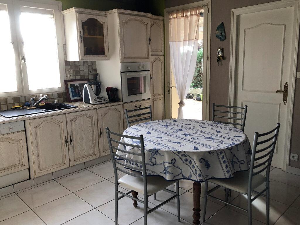 Maison à vendre 7 130m2 à Bressuire vignette-2