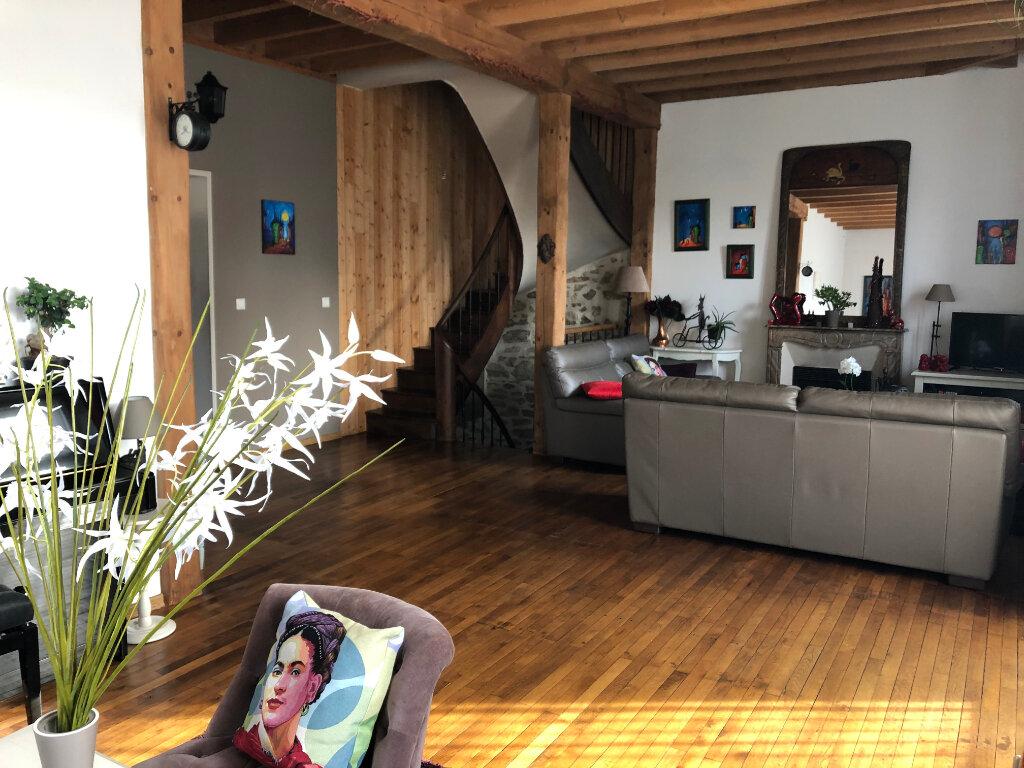 Maison à vendre 8 220m2 à Bressuire vignette-4